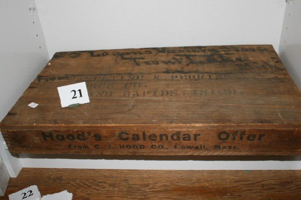 "21: 12 1/2"" x 21 1/4"" Hoods Calendar Wood Shipping Box"
