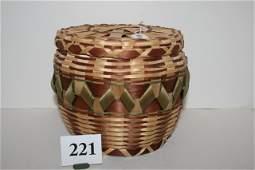 221 Iroquoian Lidded Basket