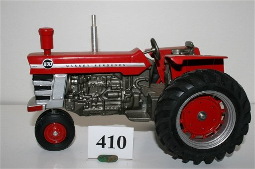 410: Massey-Ferguson 1130 Narrow Front 1/16th scale