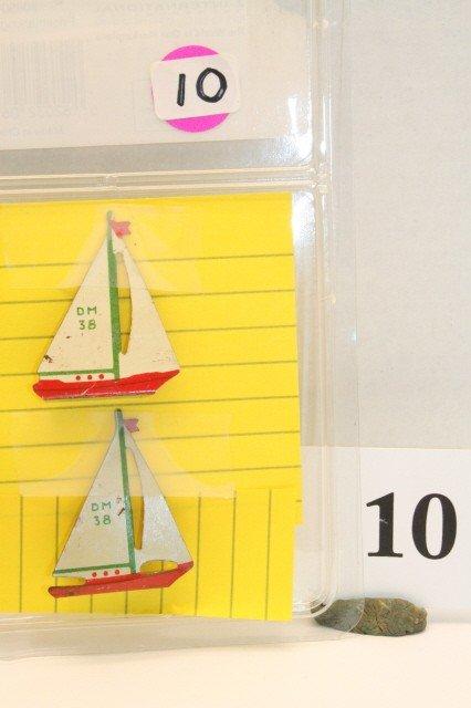 10: 2 Metal Sail Boats
