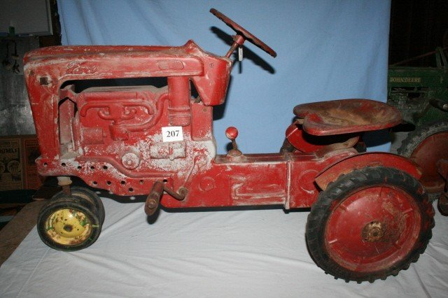 207: Ford 900 Pedal Tractor 1955