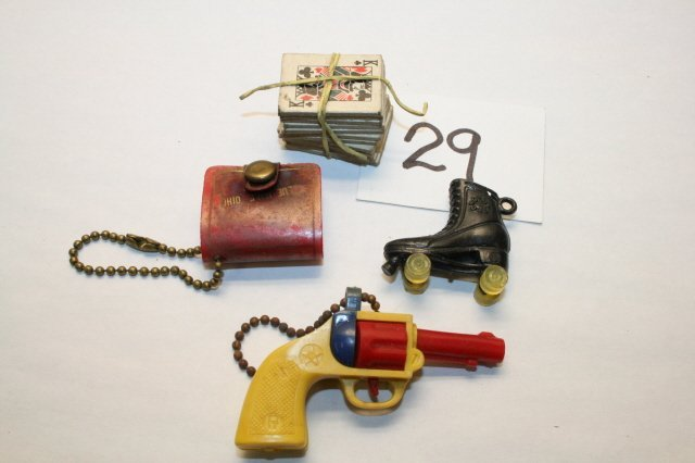 29: Plastic Gun, skate