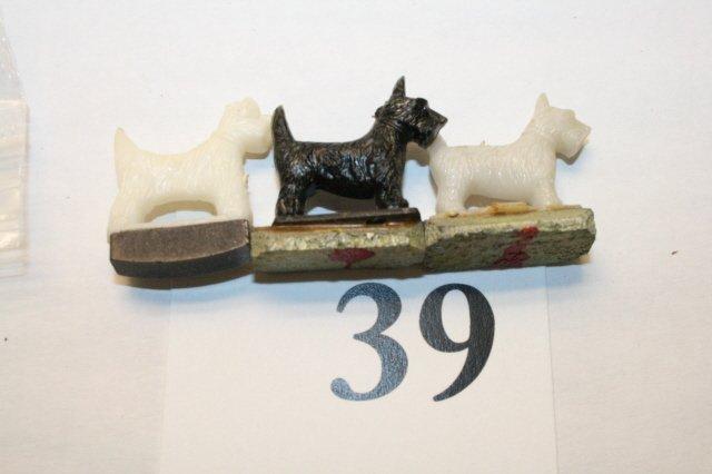 39: 3 Scotty Dogs
