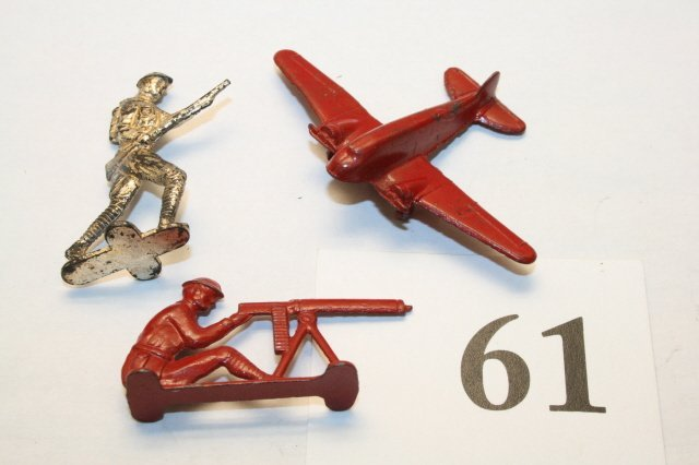 61: 2 Soldiers, airplane