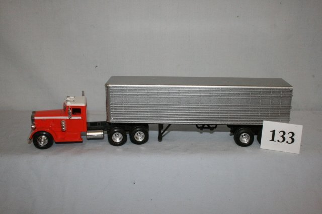 133: Peterbuilt Freight Tractor