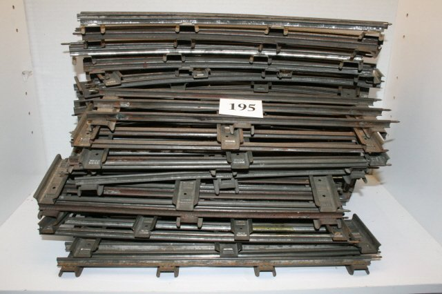 195: 39 Sections Standard Gauge Track