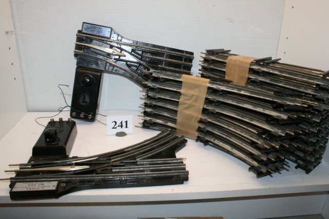 241: 2 Lionel 022 O Gauge Switches
