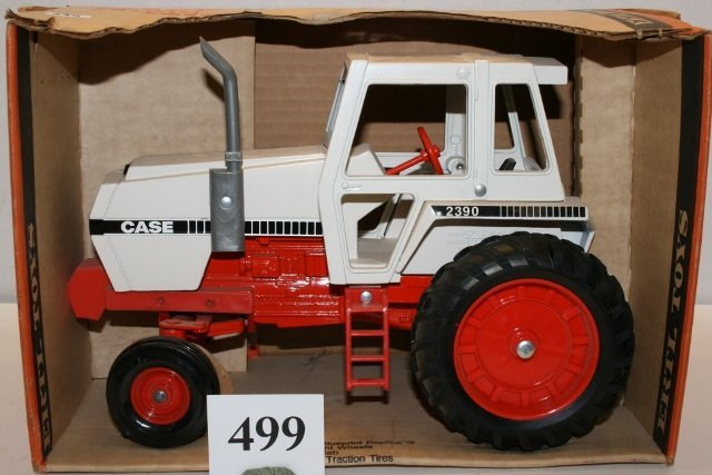 Ertl Case Tractor #2390