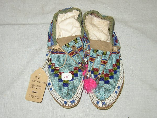 "18: 8"" Girl's Beaded Moccasins"