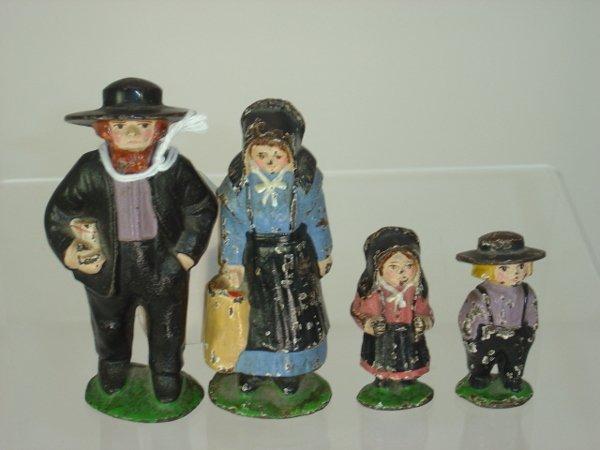 9: Cast Iron Amish Family Figures