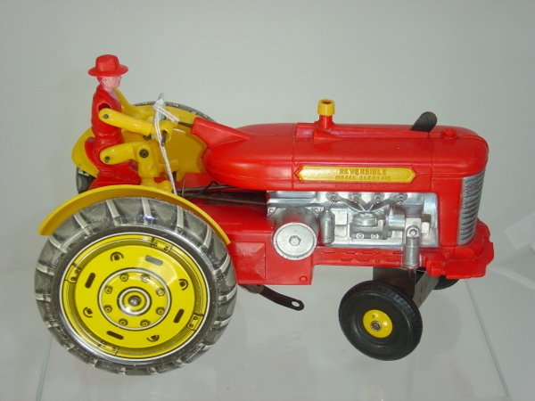 15: Marx Tin & Plastic Tractor