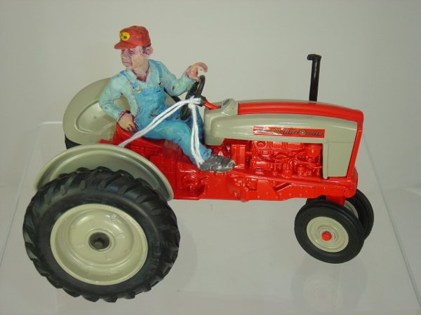 19: Ford 901 Select Speed Tractor