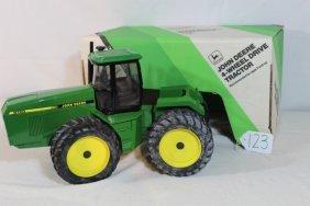 John Deere Tractor 8760