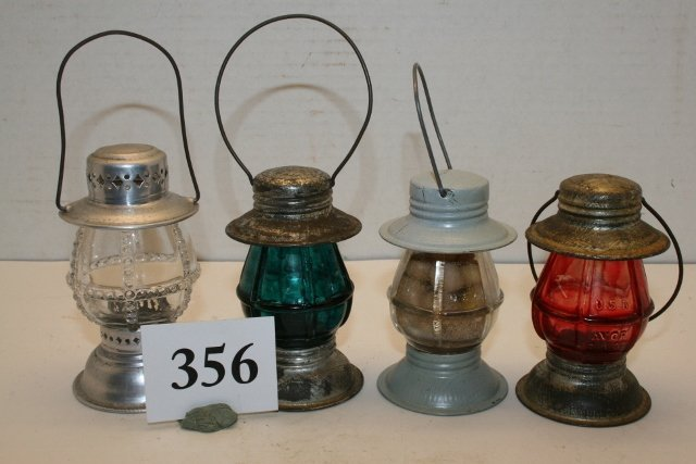 4 Lantern Candy Containers