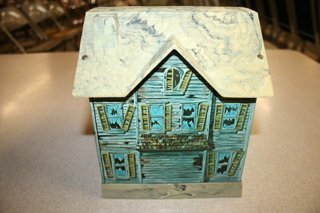 Battery Operated Haunted House - 3