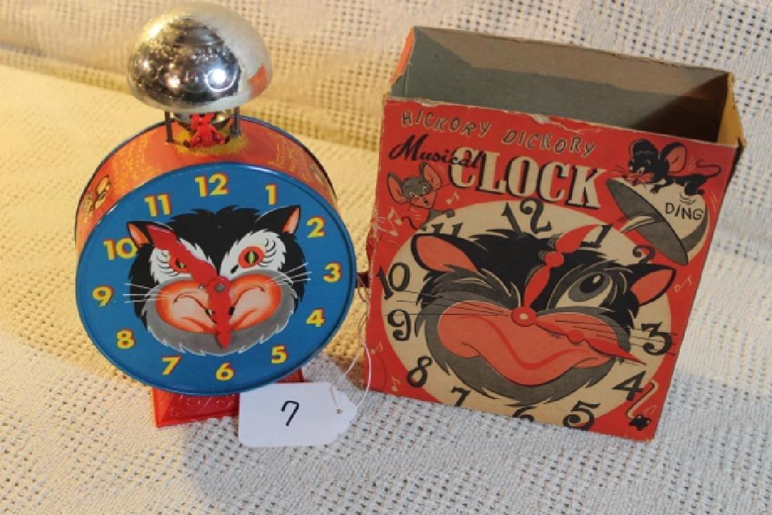 1952 Hickory Dickory clock