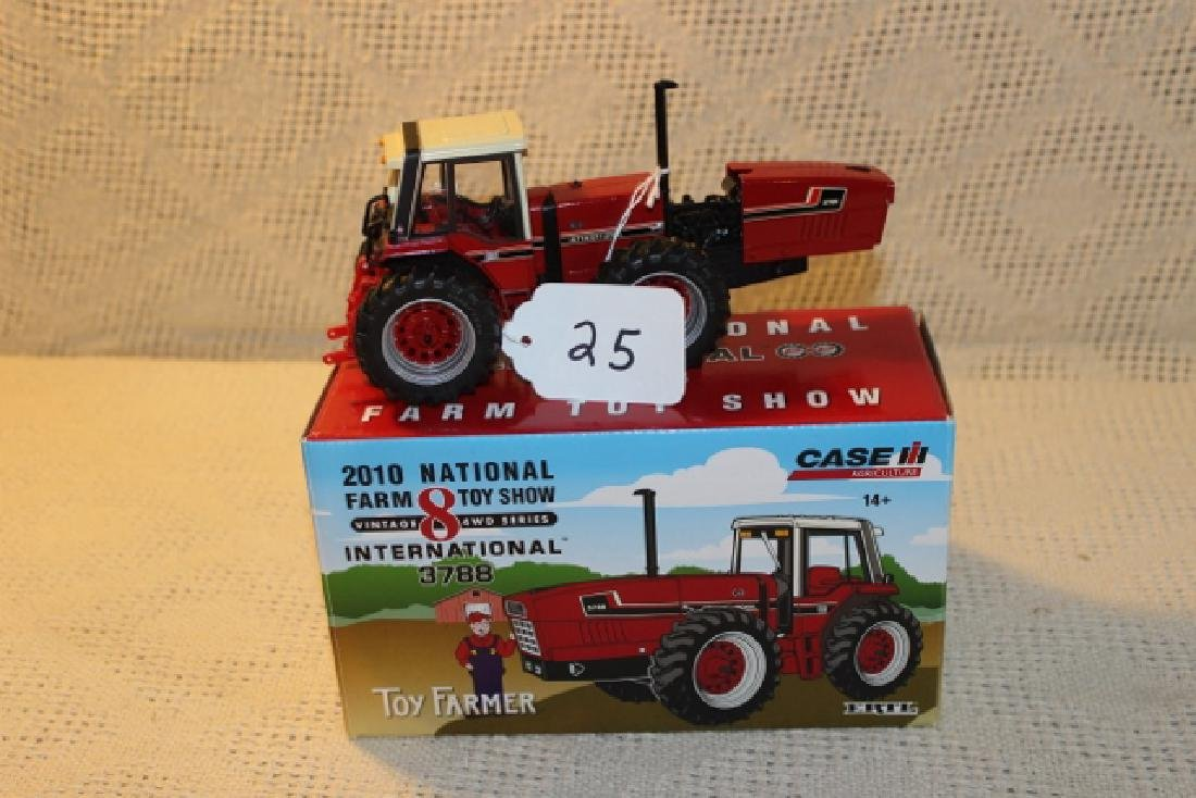 Toy Farmer 2010 National Farm Toy
