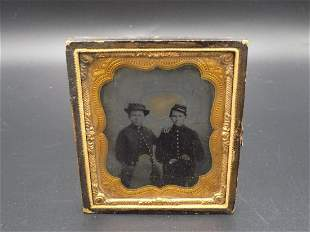 Nice civil war tin type photo of 2 soldiers.
