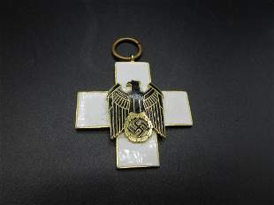 Vintage WW2 GERMAN SOCIAL WELFARE CROSS Medal