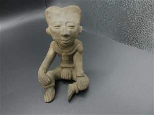 Magnificent pre-Columbian figure