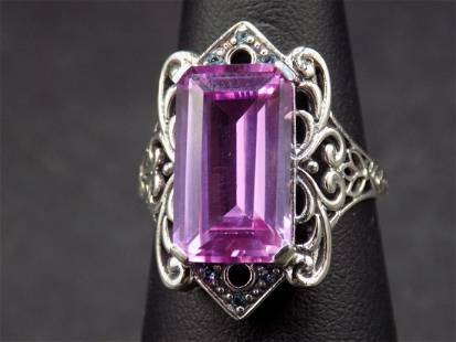 Beautiful approx. 10 cwt. pink sapphire and aquamarine