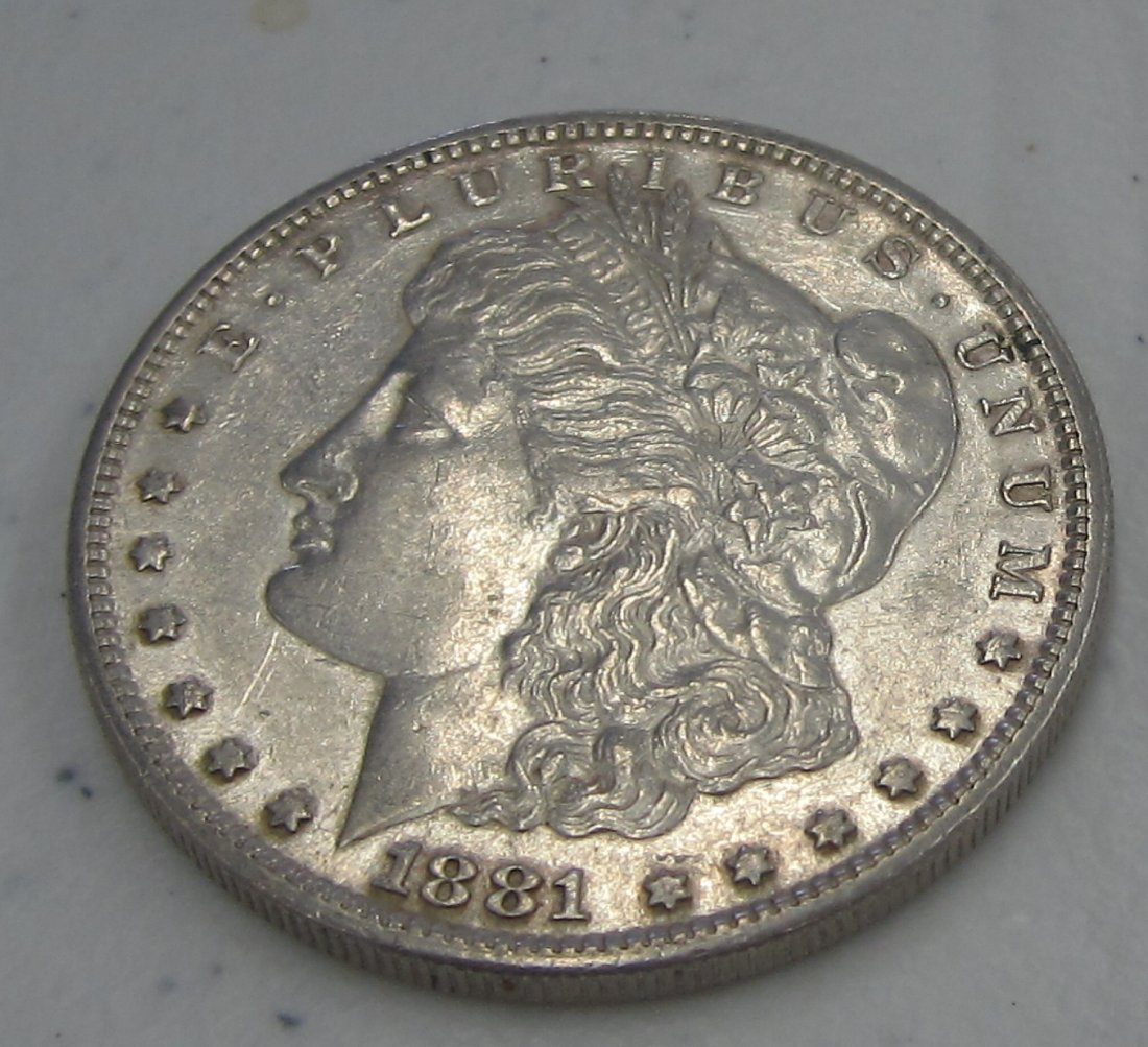 Au/Bu 1881 s MORGAN SILVER DOLLAR