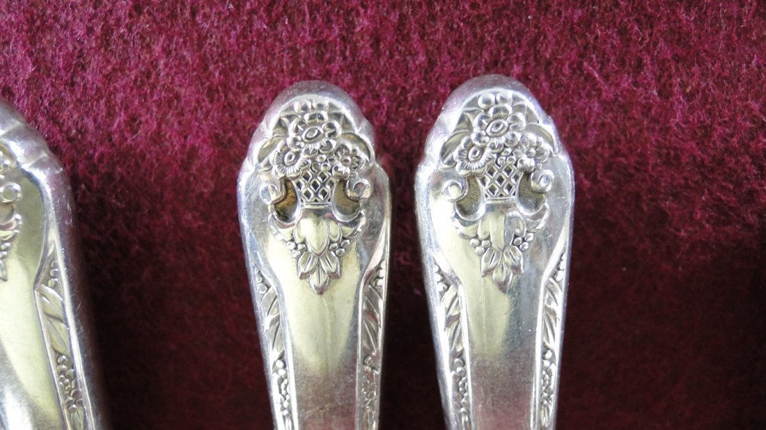 "1937 Holmes and Edwards ""Lovely Lady"" Silverware Set - 5"