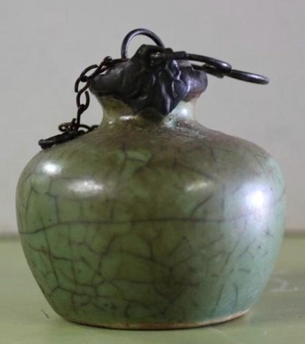porcelain opium pipe