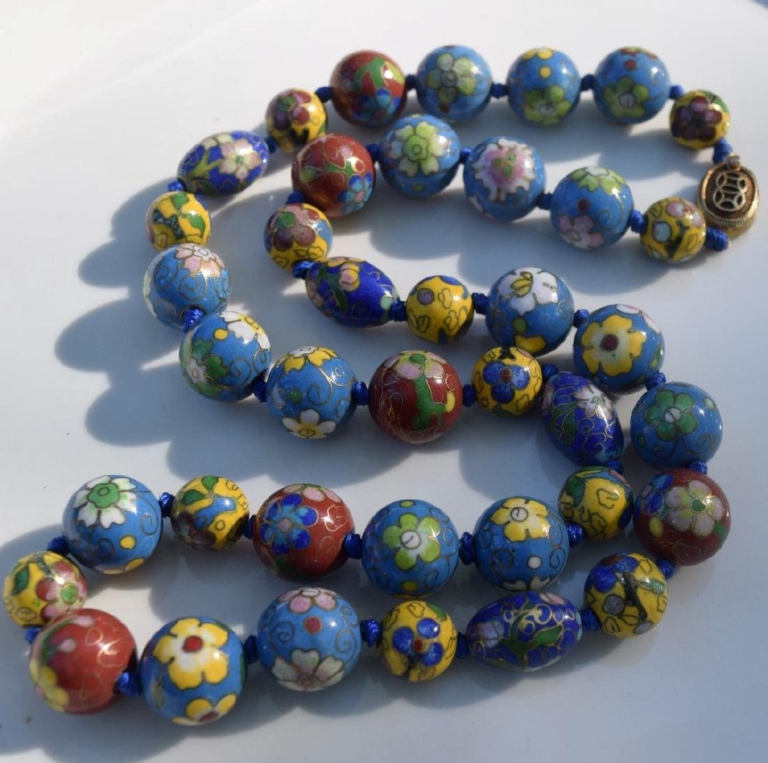 A CLOISONNE BEAD NECKLACE, REPUBLIC PERIOD - 4