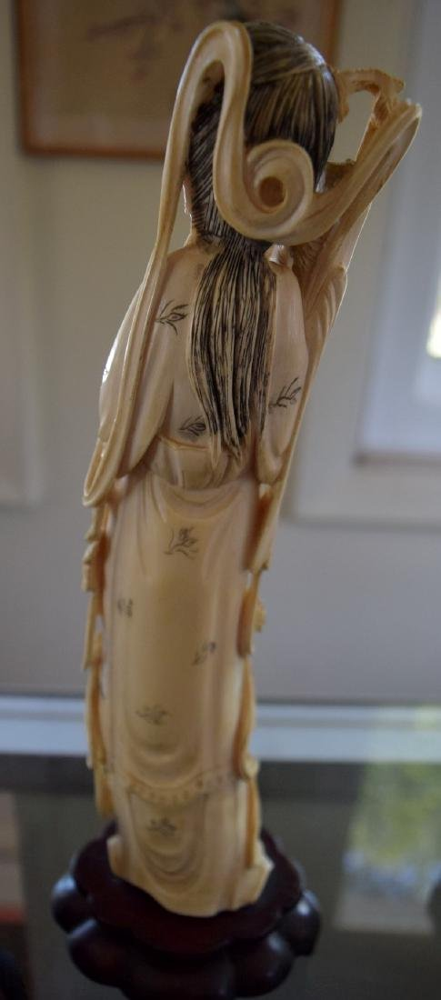 A CARVED BEAUTY FIGURE, QING DYNASTY - 3