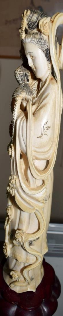 A CARVED BEAUTY FIGURE, QING DYNASTY - 4