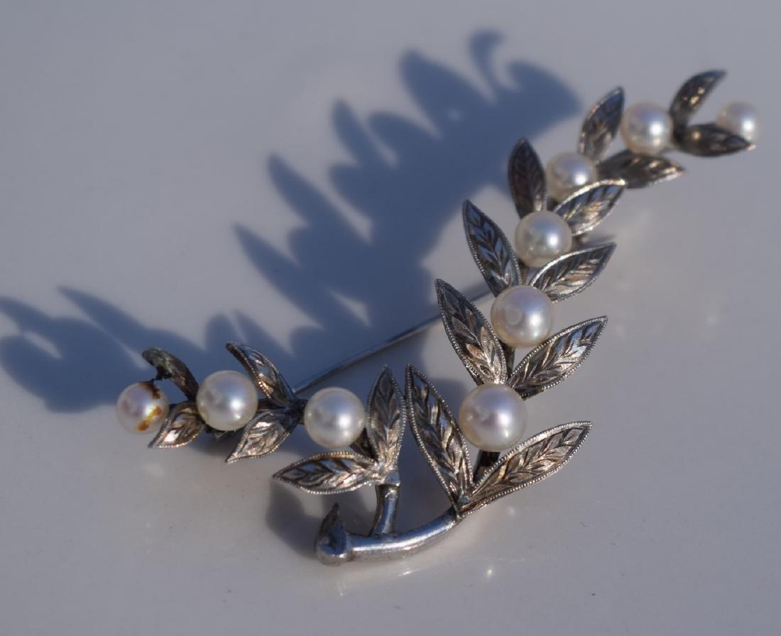 Vintage Sterling silver Pearl Brooch Pin