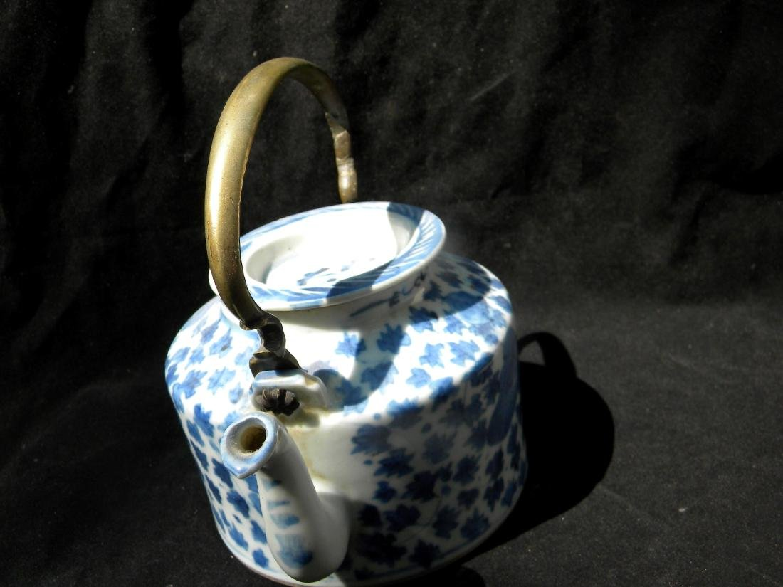 Antique Chinese Blue and White Teapot Qing Dynasty - 4