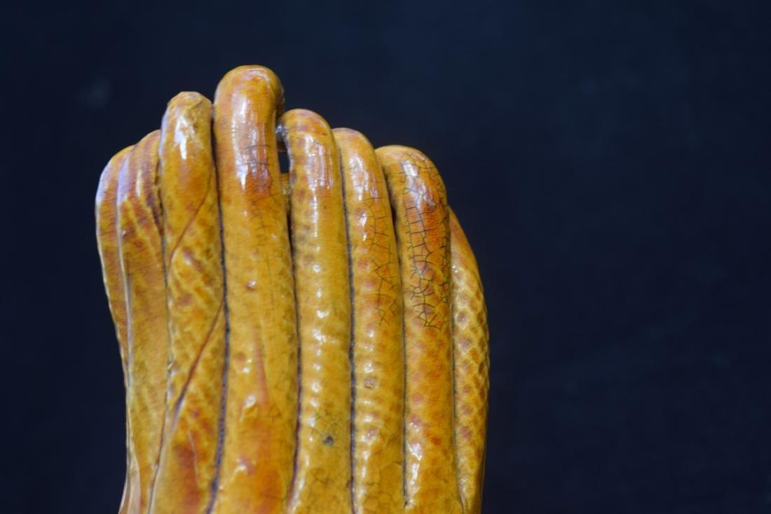 A YELLOW GLAZED BUDDHA'S HAND - 4