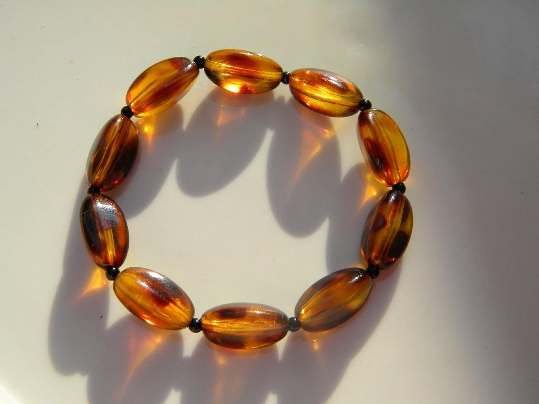 A Natural Amber Bead Bracelet