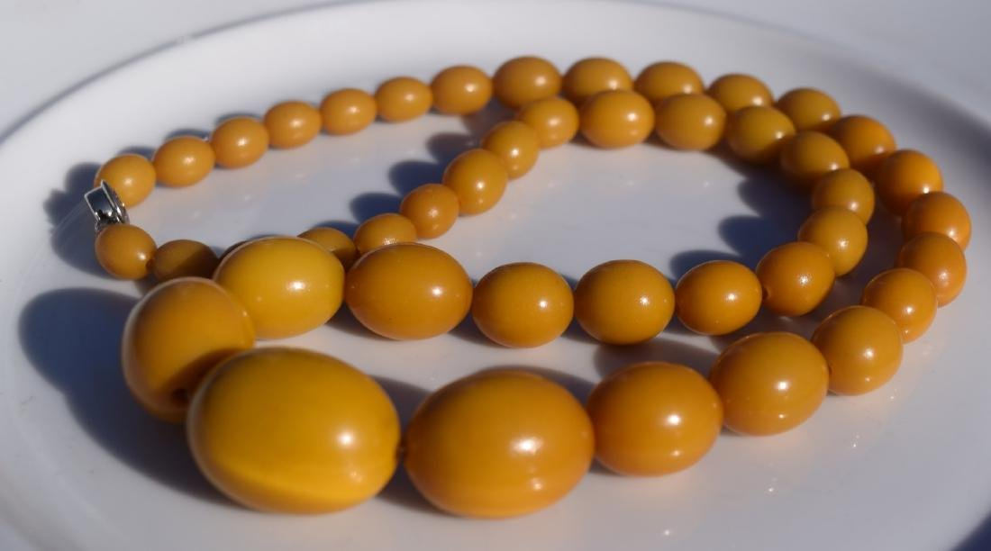 Vintage Amber Beads Necklace