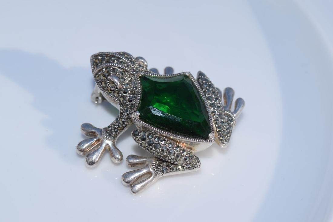 Vintage Green Frog Silver Brooch Pin Marked Sterling