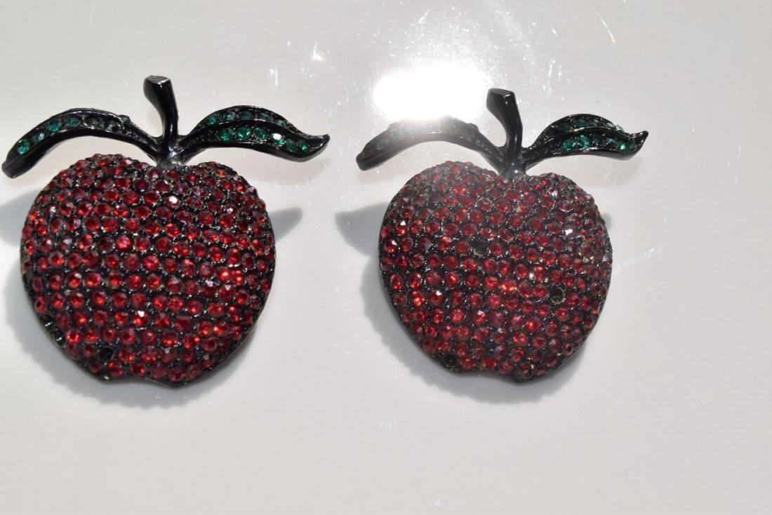"""Pair of Apple Brooch Pin, size: 2"""" x 1.5"""""""