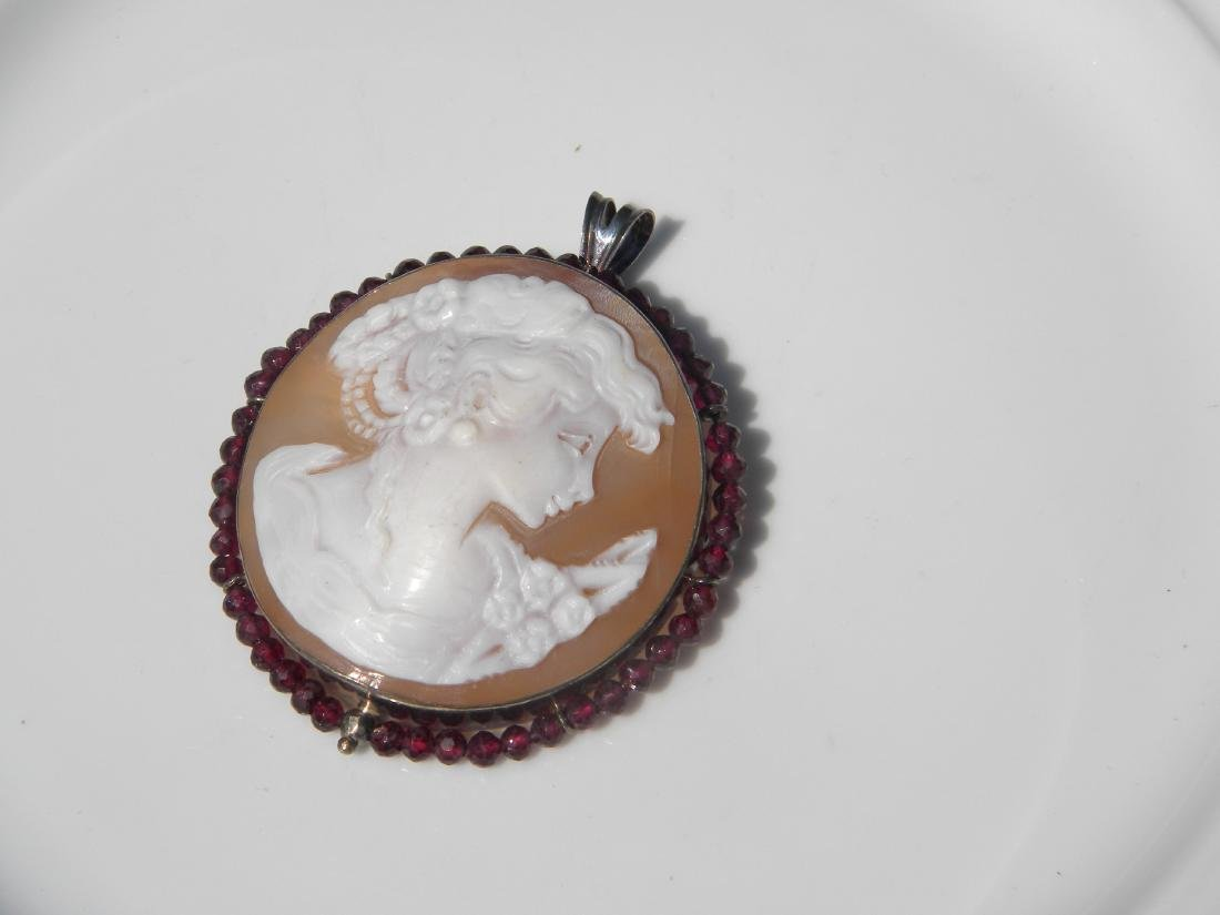 Vintage Cameo Pendant and Brooch Pin - 7