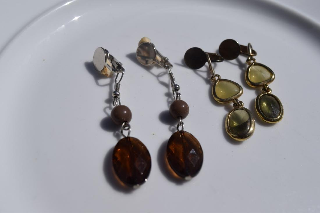 Two Pairs of Amber Earrings - 4