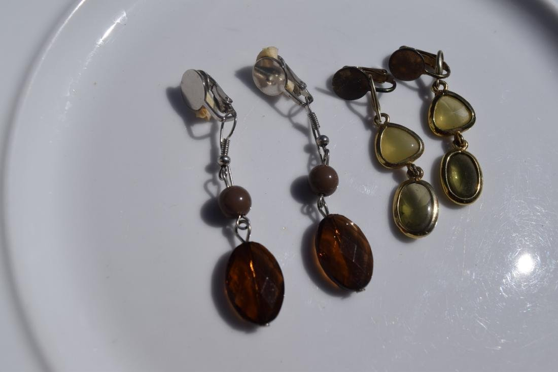 Two Pairs of Amber Earrings - 3