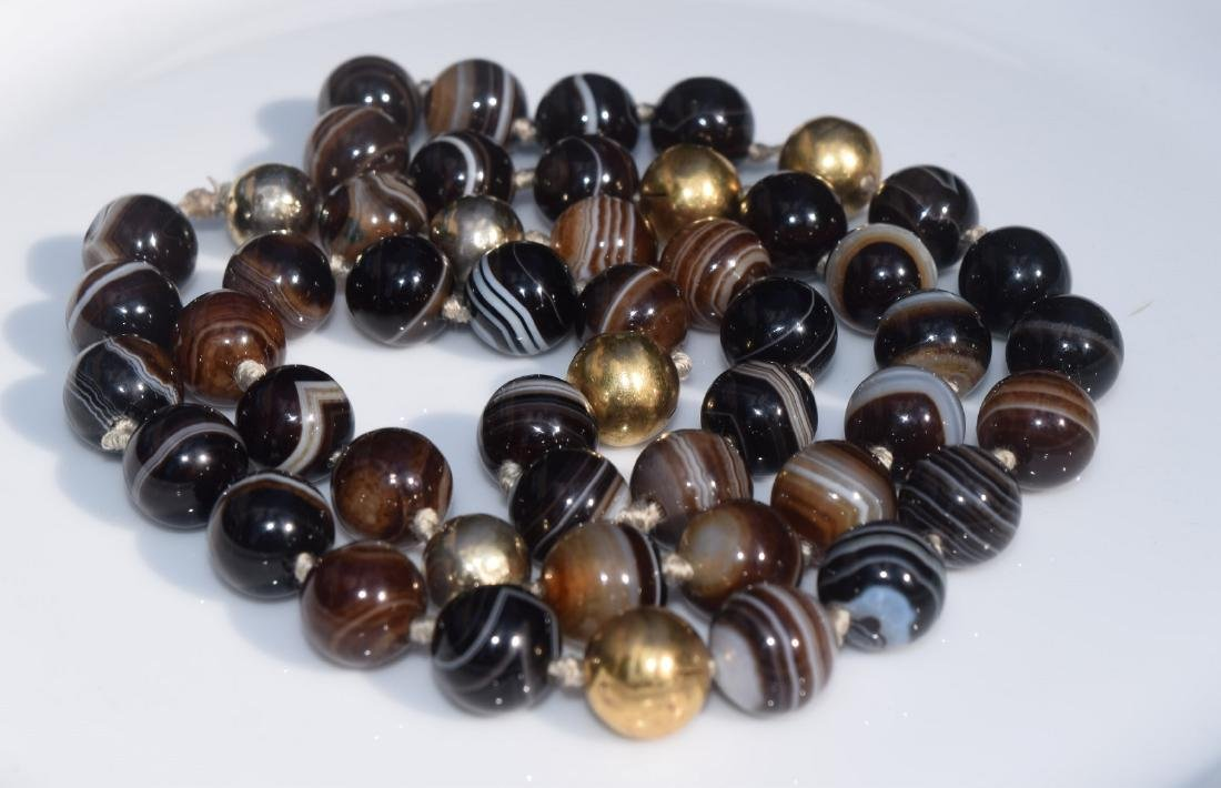 Vintage Black and White Carnelian Beads Necklace - 3