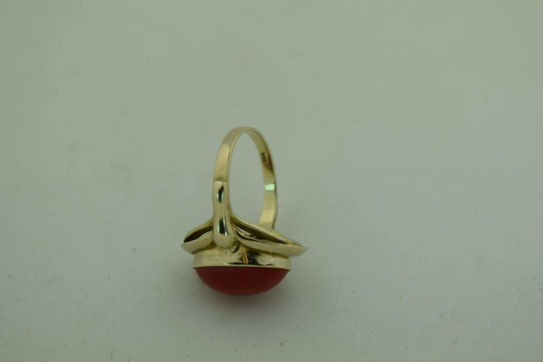 Vintage 8K Gold Red Coral Ring, size total: 20mm - 5