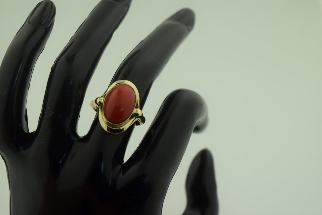 Vintage 8K Gold Red Coral Ring, size total: 20mm - 6