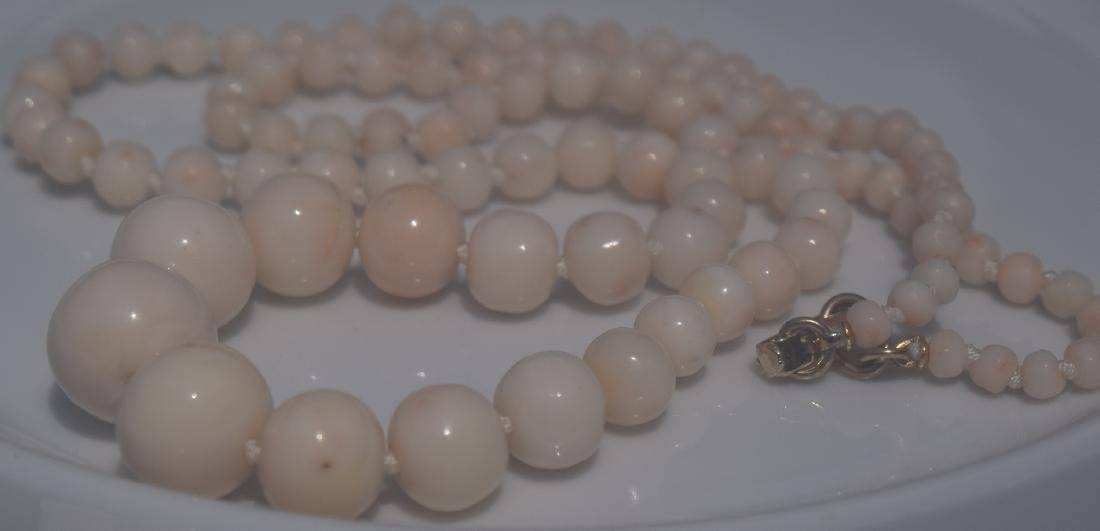 Vintage Angle Skin Coral Beads Necklace - 2