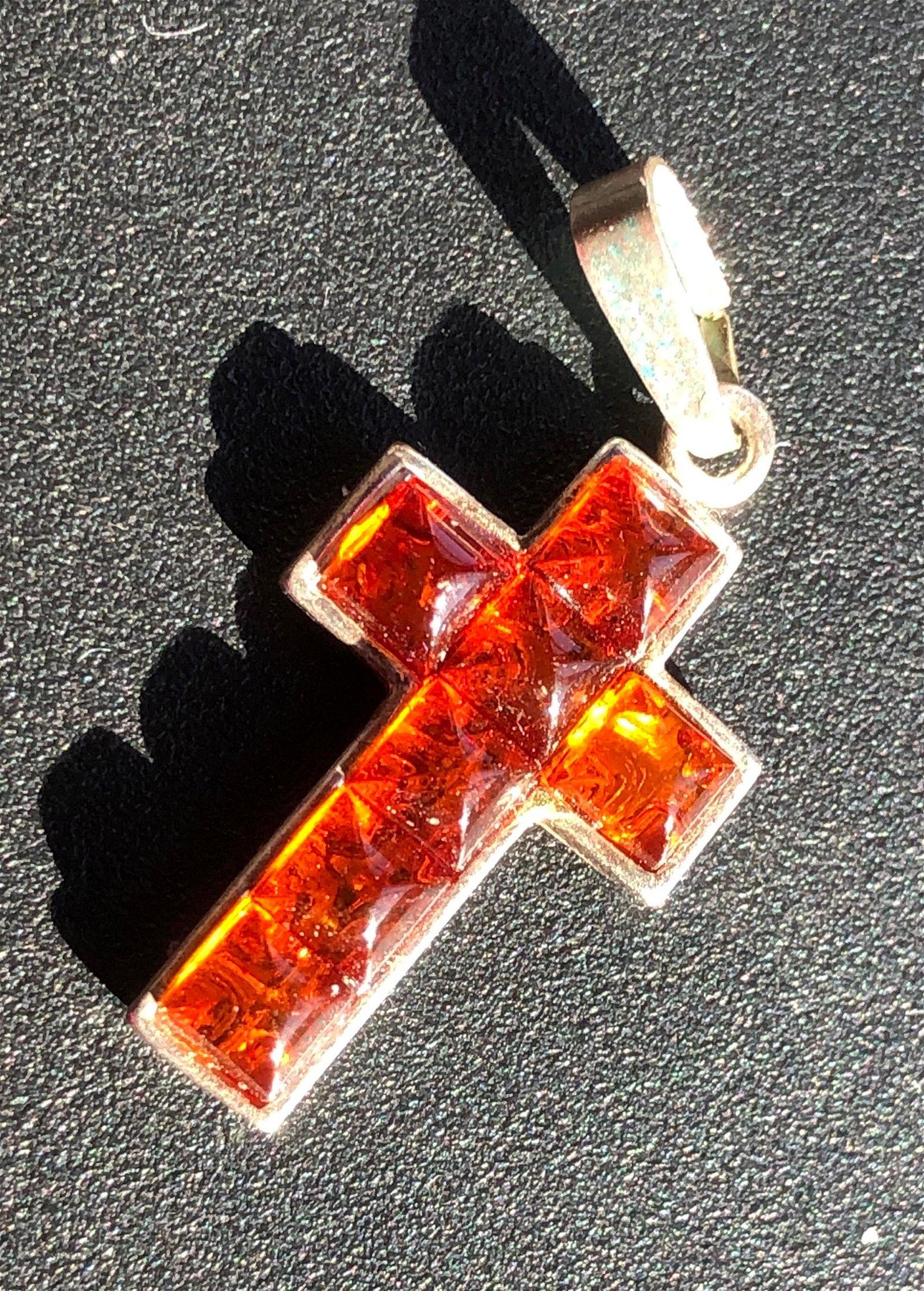 "Vintage Silver Amber Pendant, Size: 1.25"""
