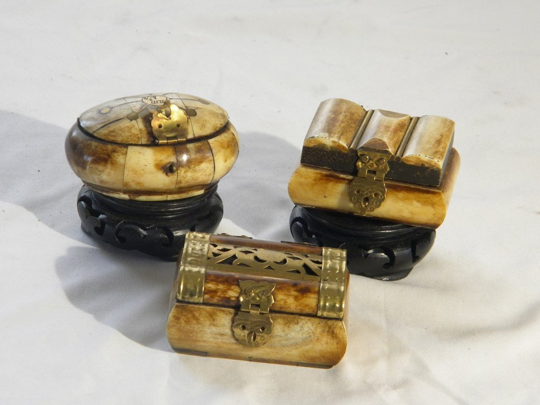 THREE CHINESE ANTIQUE EXPORT BONE MARRIAGE BOXES