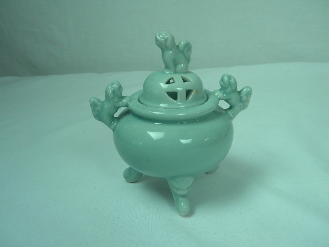 LIGHT GREEN GLAZED INCENSE BURNER FOO DOG