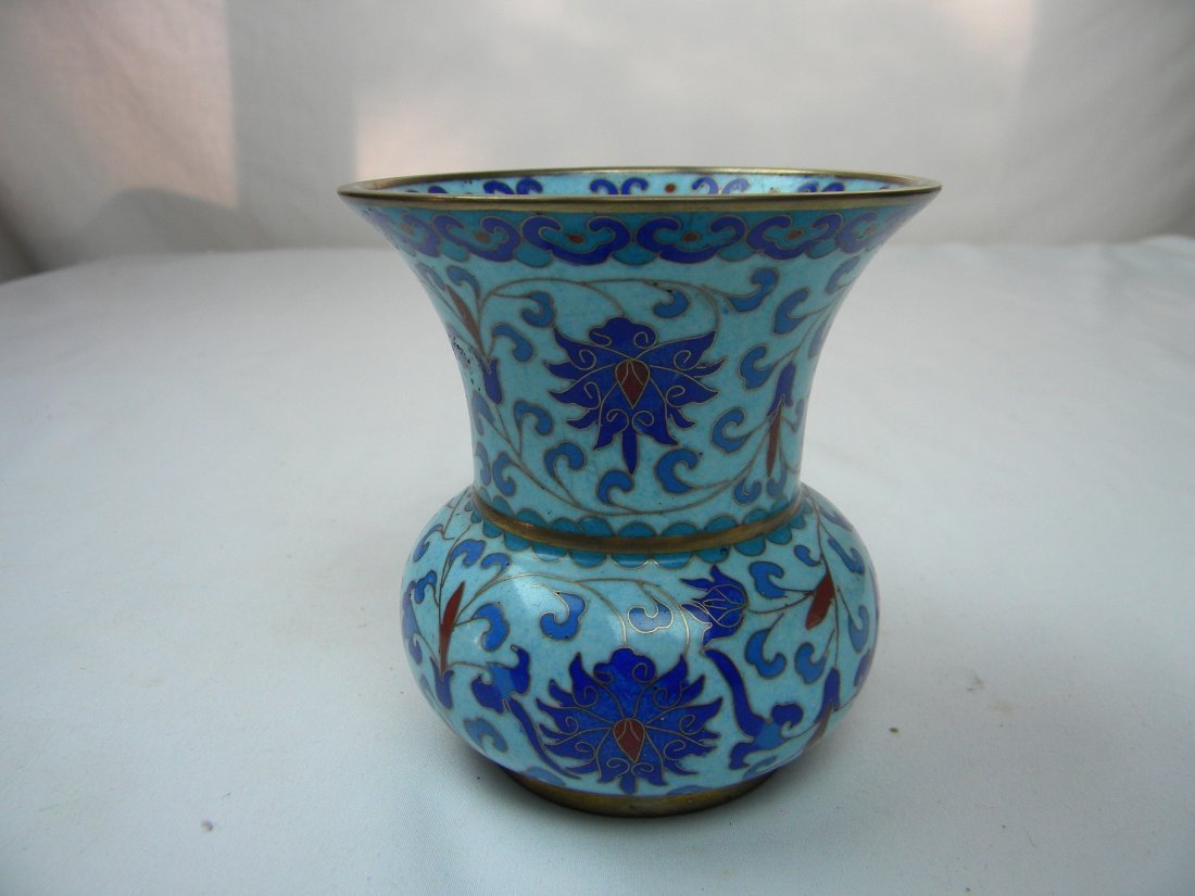 CHINESE BLUE CLOISONNE VASE WITH FLOWER PATTERN