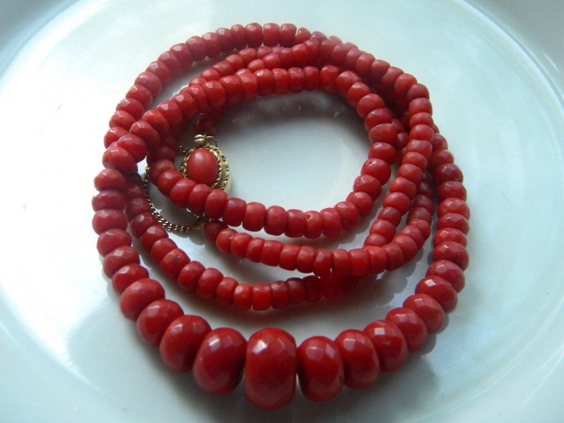ANTIQUE OX BLOOD DEEP RED NATURAL CORAL NECKLACE 14K